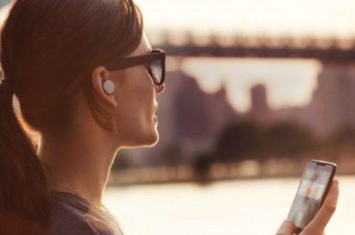 ede12725f آبل تطور سماعات لاسلكية جديدة لتطلقها مع هاتف آيفون 7