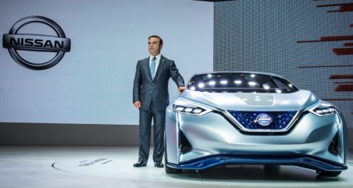 Nissan-president-and-CEO-Carlos-Ghosn-presenting-the-Nissan-IDS-concept-self-driving-vehicle-at-the-44th-Tokyo-Motor-Show-on-27-October-2015